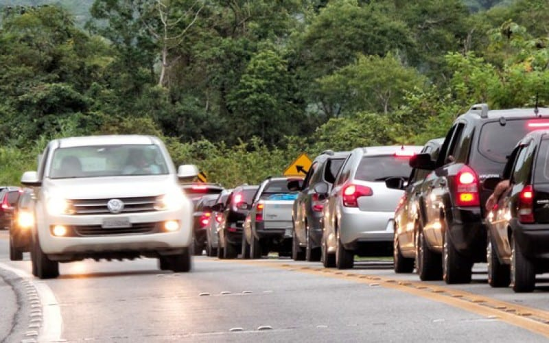 Tráfego em rodovia federal (Rafael Neddermeyer/ Fotos Públicas)