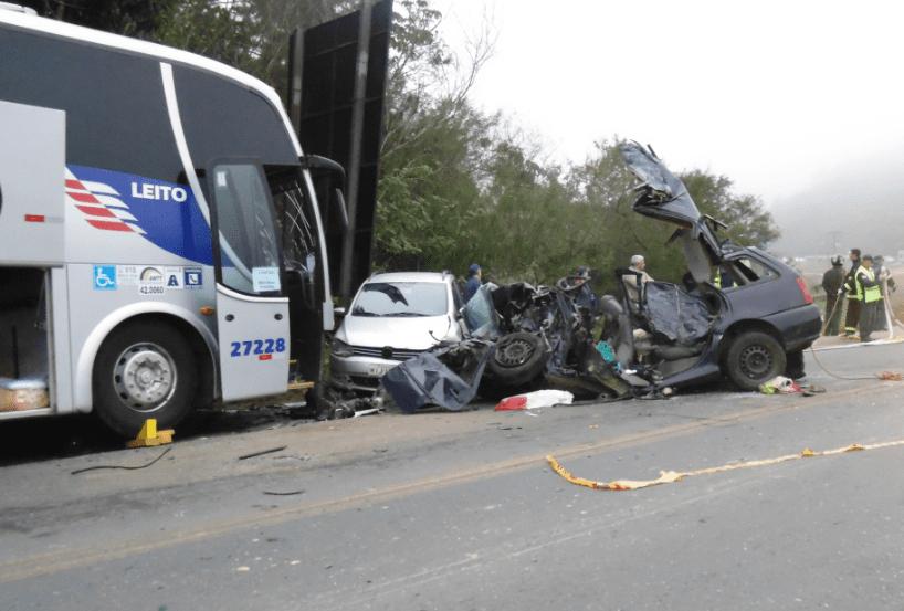 Veículos envolvidos no acidente (Jefferson Santos/Notícias Vale do Itajaí)