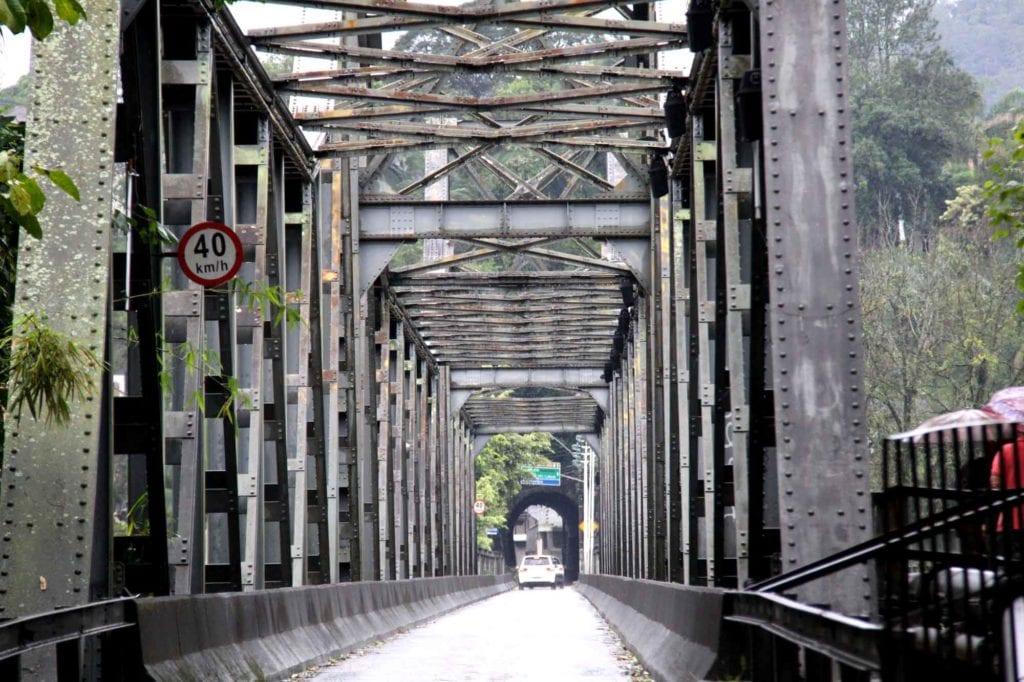 prefeitura-realiza-manutencao-ponte-de-ferro-foto-1-marcelo-martins