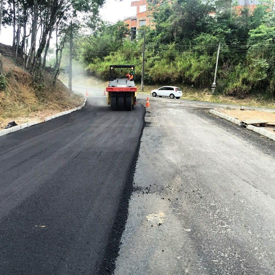prefeitura-executa-700-metros-de-pavimentacao-na-rua-vale-do-selke