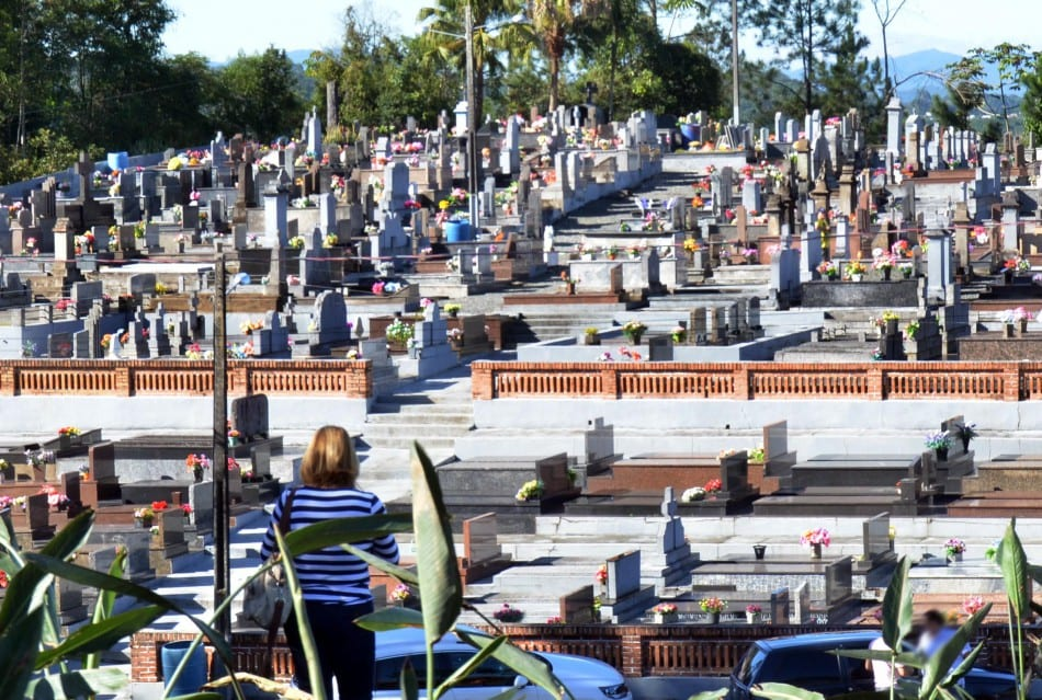 prefeitura-orienta-sobre-funcionamento-dos-cemiterios-no-feriado-de-finados