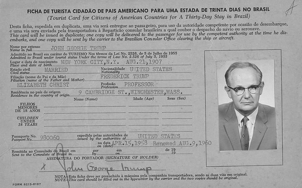 NO BRASIL - John George Trump (1907-1985), cientista (raio-x), tio do Presidente, trabalhando no Brasil.