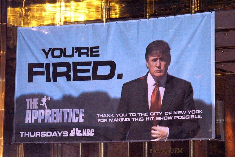 THE APPRENDICE - A primeira edição do programa O Aprendiz foi ao ar no ano de 2004. Produzido e criado por Mark Burnett e apresentado por Donald Trump, que também foi co-produtor do programa.