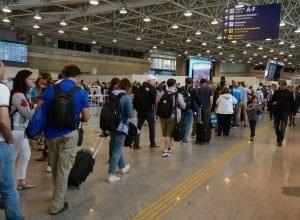 Movimento de passageiros no Aeroporto Internacional Tom Jobim/RioGaleão - foto de Tomaz Silva/Agência Brasil