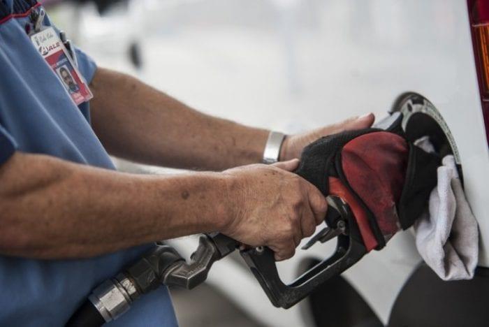 Técnicos vão discutir política de amortecimento dos preços dos combustíveis (EBC)