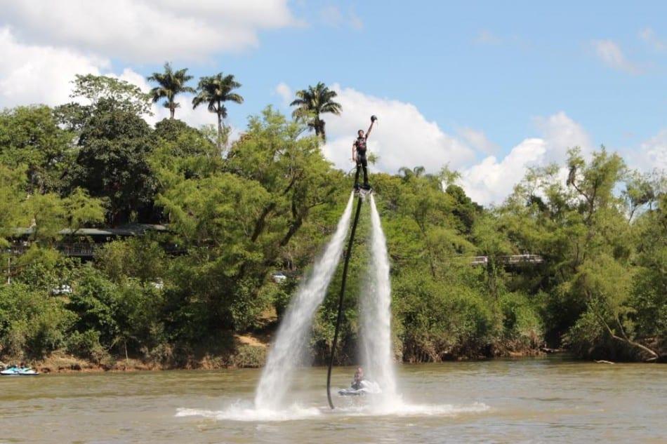 Festival Blumenau a Bordo terá atividades gratuitas, como passeios de barco, stand up paddle e caiaque