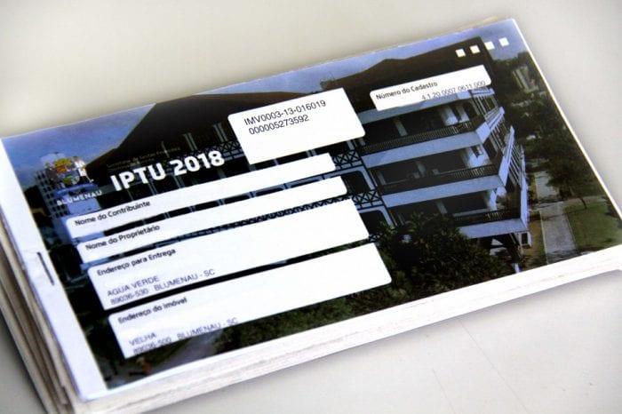 IPTU (Marcelo Martins)