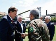 (Rio de Janeiro - RJ, 17/02/2018) Presidente da República, Michel Temer cumprimenta o General Braga Netto, Comandante Militar do Leste (Alan Santos/PR)