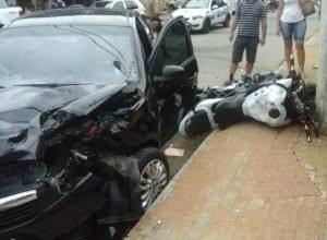 Acidente deixa motociclista gravemente ferido na Rua General Osório em Blumenau (Eder/Leitor)