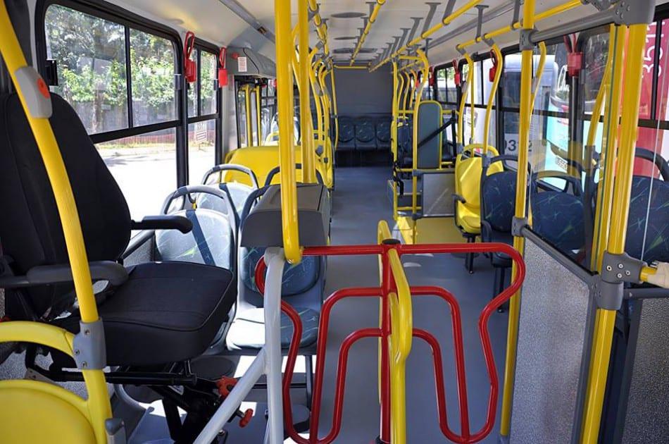 Ônibus da BluMob, concessionaria do transporte coletivo em Blumenau (Eraldo Schnaider)