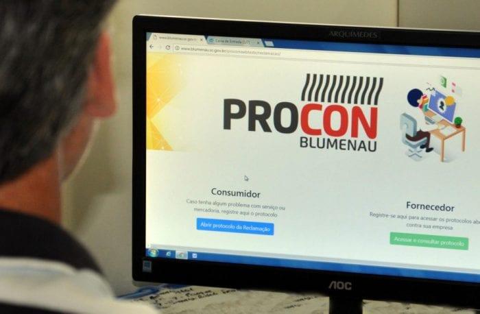 Sistema Web Reclamação Online do Procon - foto de Eraldo Schnaider