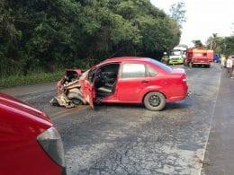 Condutora do Ford Fiesta foi a única que sofreu ferimentos (Arcanjo 03/CBM)