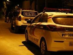 Viaturas da Polícia Militar - foto de Giovanni Silva