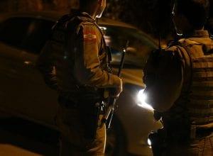 Homens da Polícia Militar de Blumenau durante patrulhamento - foto da Giovanni Silva