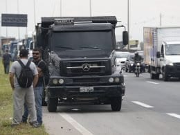 Protesto de caminhoneiros (Fernando Frazão - Agência Brasil)