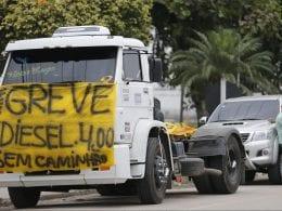 Protesto de caminhoneiros em rodovias (Fernando Frazão - Agência Brasil)