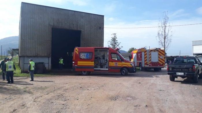 Apesar do trabalho dos bombeiros, trabalhador morreu no local (CBM)
