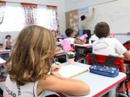 Mais de 30 mil estudantes voltarão às atividades escolares nas 124 unidades do município (Marcelo Martins - PMB)