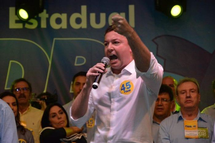 Napoleão Bernardes em convenção do PSDB