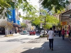 Rua XV de Novembro, ponto tradicional do comércio de Blumenau - foto de Filipe Rosenbrock