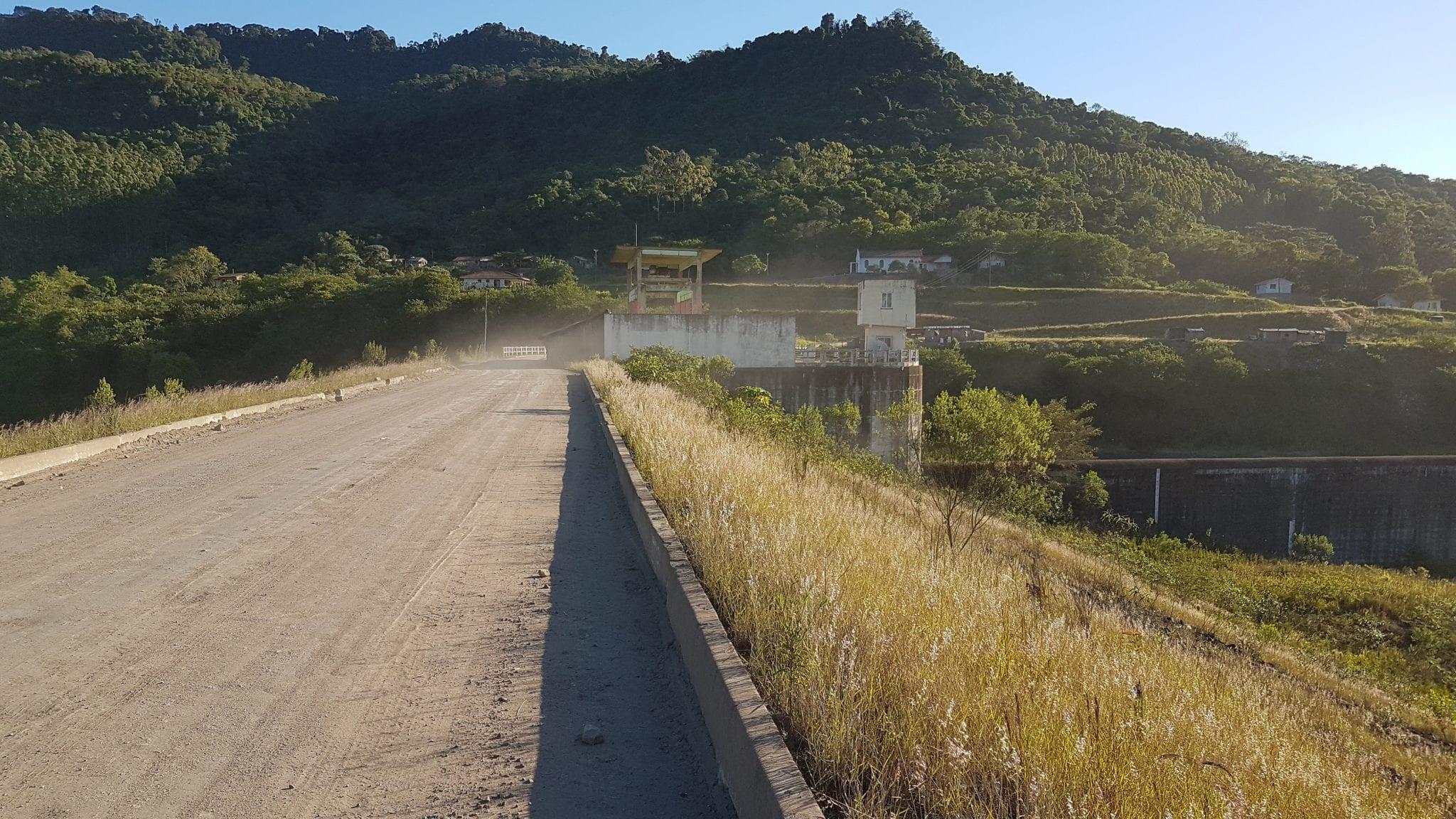 Barragem Norte, construída na área indígena Ibirama-La Klãnõ - foto de Erold Rosenbrock