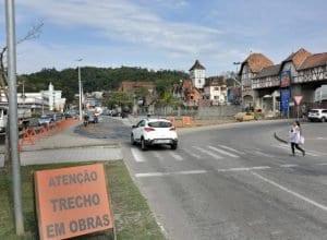Prefeitura revê data de alteração do trânsito na região da Vila Germânica (Eraldo Schnaider)