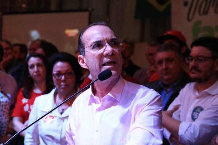Décio Lima e Alcimar de Oliveira, ao fundo, disputam o Governo do Estado (PT-SC)
