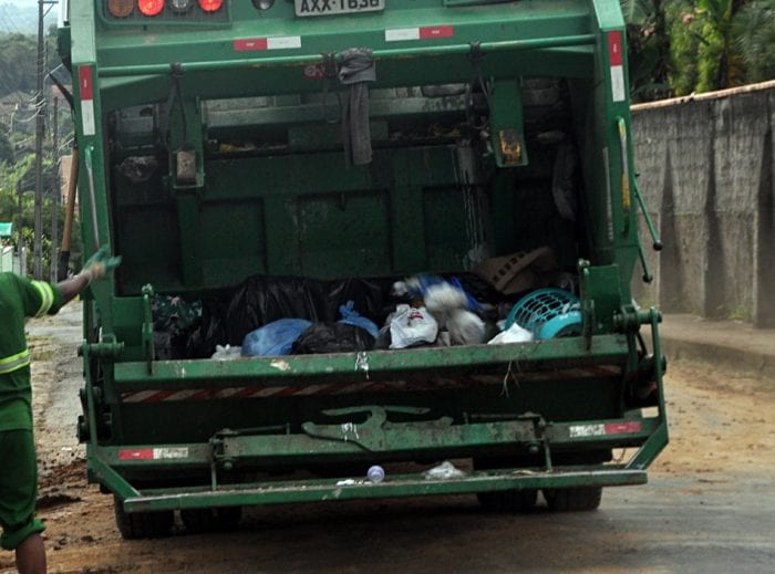 Coleta de lixo em Blumenau (Eraldo Schnaider - PMB)
