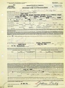 FRAUDE - Este documento, fotografado em 16 de julho de 2018 no National Archives em Nova York, mostra a petição de naturalização de Jakiw Palij.