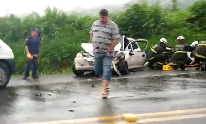 Acidente envolve três veículos na Serra da Vila Itoupava
