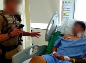 Jovem com sete mandados de prisão ativos recebeu voz de prisão no Hospital Santo Antônio (PMSC)