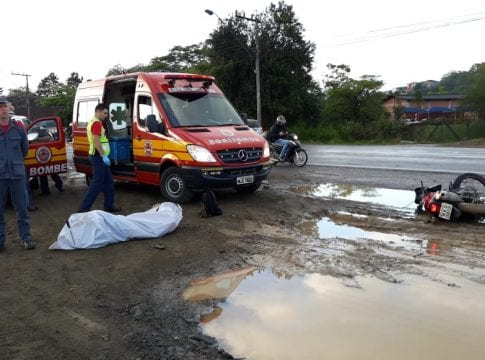 4338849da2087 Motociclista morre em colisão na Rua Dr. Pedro Zimmermann