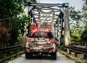 Viatura do Choque da Polícia Militar na Ponte Aldo Pereira de Andrade, a Ponte de Ferro (Giovanni Silva)
