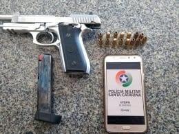 Pistola calibre 380 encontrada com aluno de medicina da Furb
