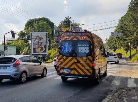 Ambulância do Corpo de Bombeiros Militar - foto de Farol Blumenau