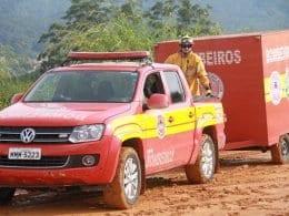 Viaturas também estão sendo deslocadas para Minas Gerais para apoio aos afetados pela tragédia
