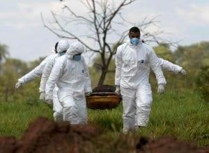 Remoção de vítimas em Brumadinho - foto de REUTERS/Washington Alves