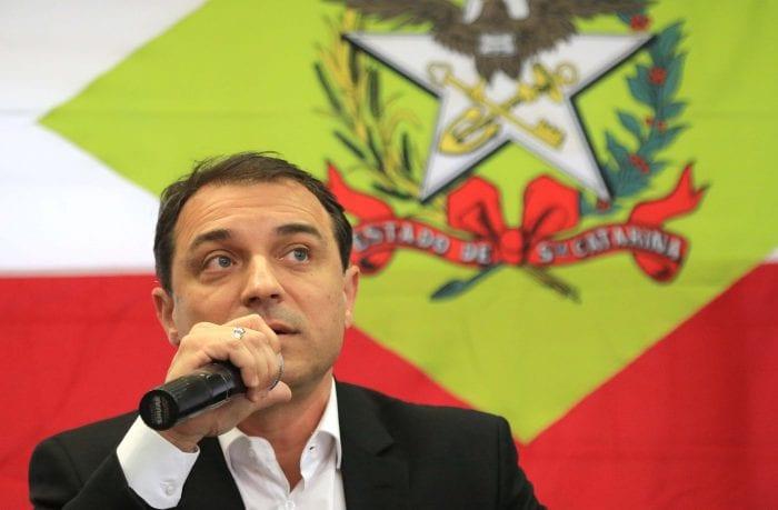 Governador Carlos Moisés em coletiva de imprensa - foto: Julio Cavalheiro/SECOM