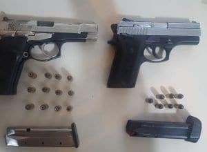 Armas encontradas no bairro Velha Grande após denúncia de tráfico de drogas - foto PMSC