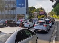 Trânsito na Rua Martin Luther - foto de Filipe Rosenbrock