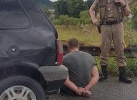 Um dos envolvidos tentou fugir, mas foi preso no trevo da Mafisa - foto do leitor