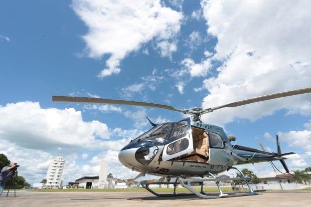 Helicóptero modelo Esquilo com capacidade para quatro passageiros - foto de Maurício Vieira/Secom