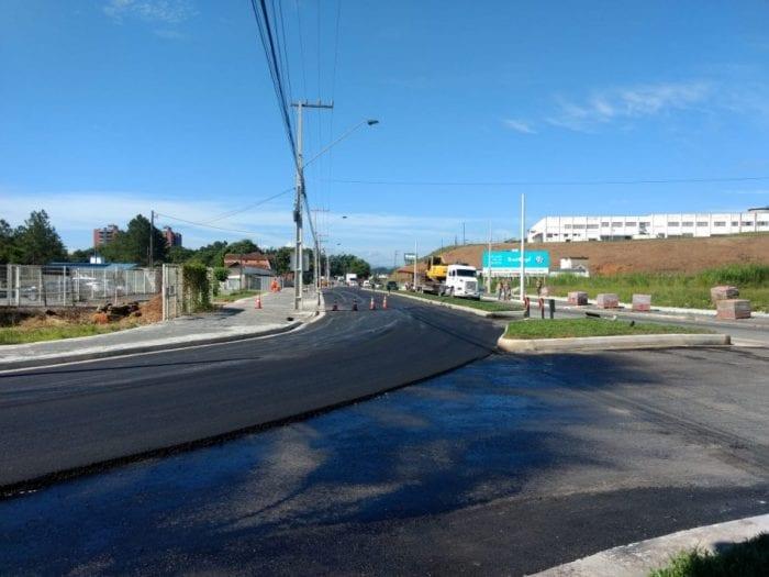 Obras na Rua Dr. Pedro Zimmermann, na Itoupava Central