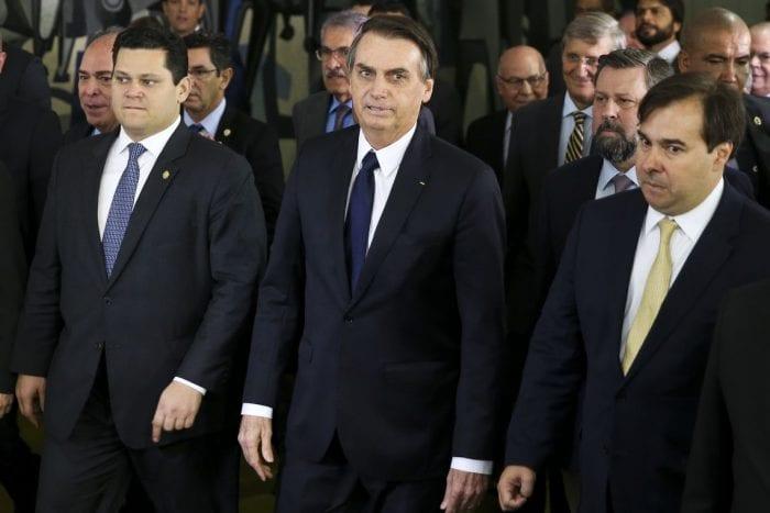O presidente Jair Bolsonaro, chega ao Congresso Nacional, acompanhado dos presidentes da Câmara, Rodrigo Maia, e Senado, Davi Alcolumbre, para levar o projeto do governo de reforma da Previdência.