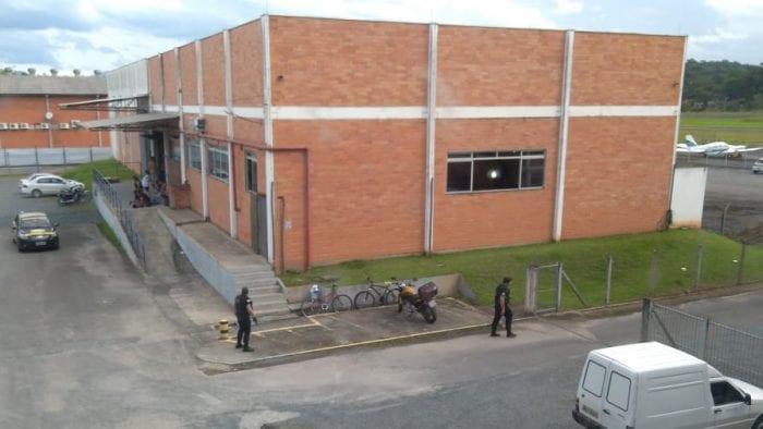 Empresa atacada por bandidos armados na Itoupava Central - foto das redes sociais
