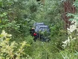 Bandidos abandonaram dois veículos usados em assalto com morte no aeroporto de Blumenau