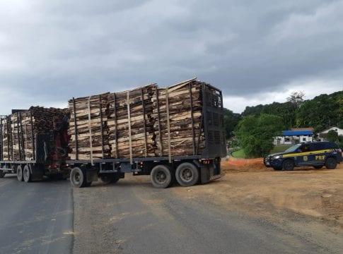 Caminhão 'Romeu e Julieta' com 23 toneladas sobrepeso
