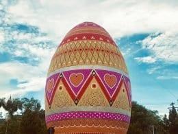 Medição apontou que o ovo tem altura de 15 metros e 2 centímetros