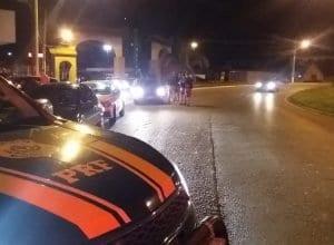 Polícia Rodoviária Federal durante fiscalização em Indaial - foto da PRF