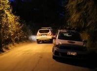 Polícia durante atendimento da ocorrência no bairro Progresso - foto de Jefferson Santos/Notícias Vale do Itajaí
